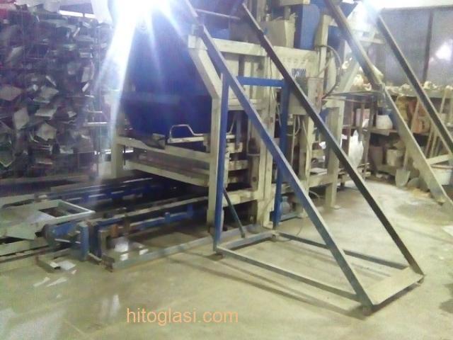 Prodajem masinu za proizvodnju vibropresovanih behaton ploca, ivicnjaka, kanalica - 2