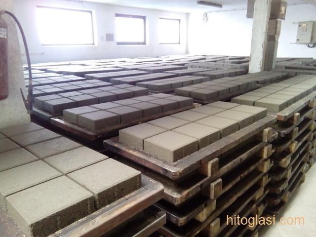 Prodajem masinu za proizvodnju vibropresovanih behaton ploca, ivicnjaka, kanalica - 5