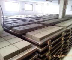 Prodajem masinu za proizvodnju vibropresovanih behaton ploca, ivicnjaka, kanalica - Slika 5